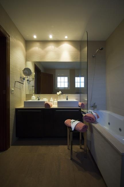 Master Bathroom with Jacuzzi bathtub