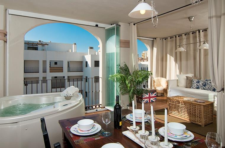 Enjoy your terrace for a breakfast with the rising sun