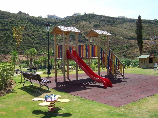 On-site Children's Playground and Picnic area