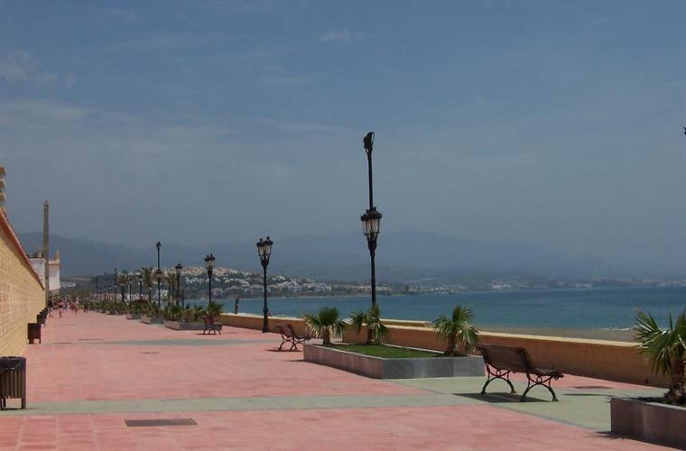 Promenade to nearby Sabinillas