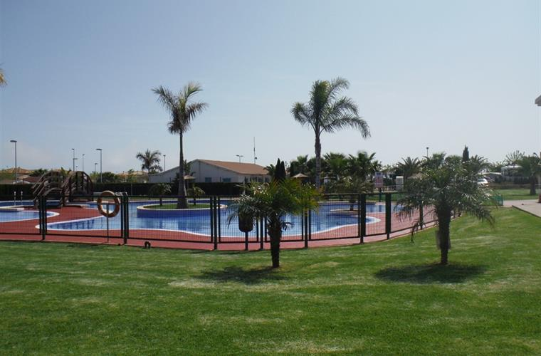 Lo Monte Swimming Pool (Nearby camping complex open to the public)