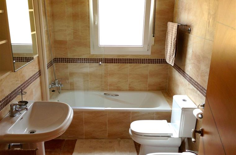 1 bathroom with bath, toilet and bidet