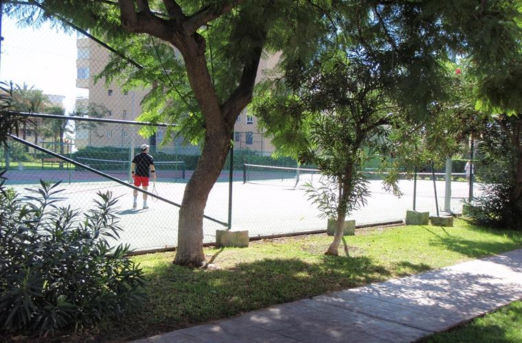 The tennis playground