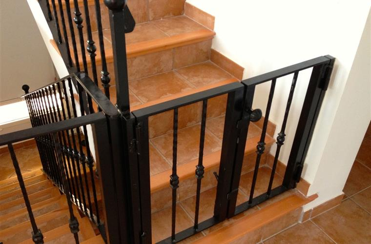 Gates staircase (child friendly)