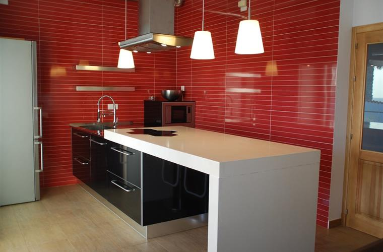 Great brand new dising kitchen fully equipped.