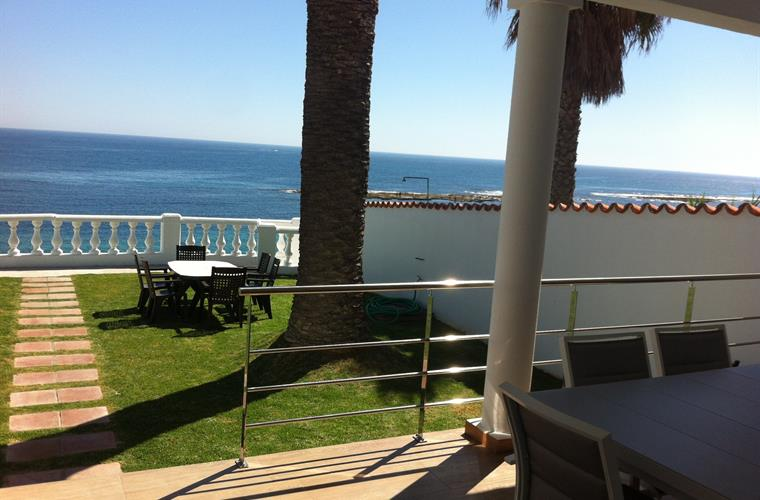 Wonderful terrace with sea views with a big table for 8 people.