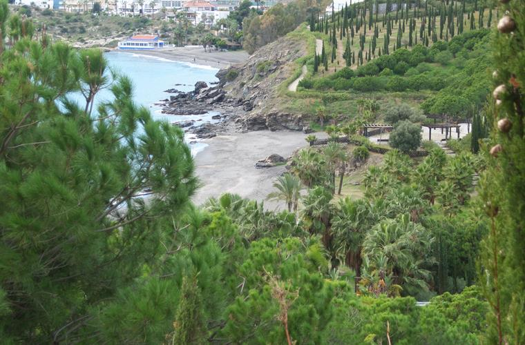 Enchanting, idyllic bays in the outskirts of Almuñecar
