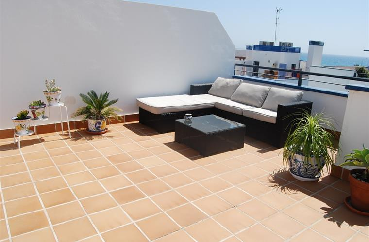 Roof terrace, view of the sea