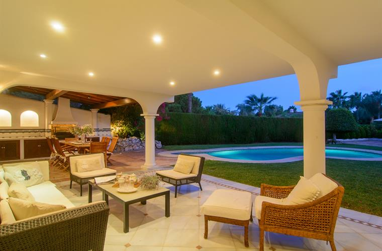 Large terrace with lounge area, comfortable sofas