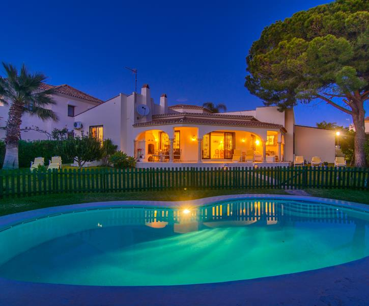 Typical spanish house (200m2) with private pool