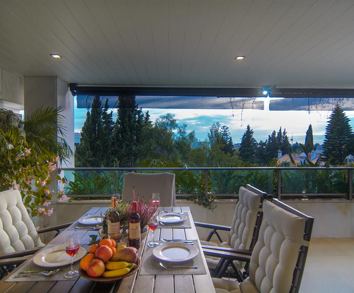 Spacious terrace (28m2) with beautiful views