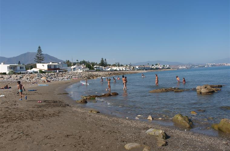 The nice small beach is great to swim, to snorkle and to relax.