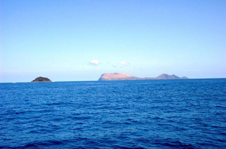 The Islands of Alegranza and Roque del Oeste (North)