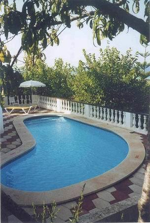 Your private, children friendly pool with sunbeds