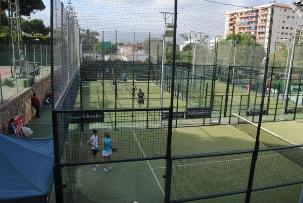 Paddel courts private sport club