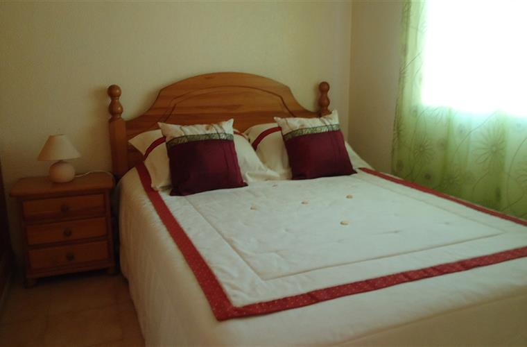 Bedroom 1 – Double bed