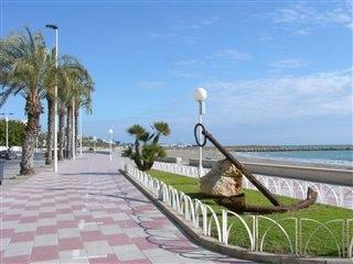 Santa Pola promenade.Perfect for a nice walk, by the bungalow
