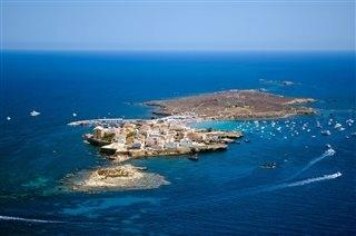 Island of Tabarca. Cristal waters and traditional food