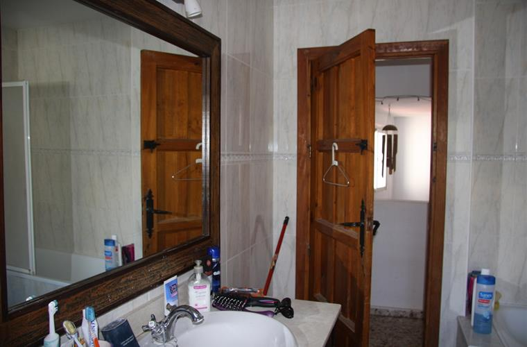 Bathroom B 1/2 It is a fine three pieces bathroom and..