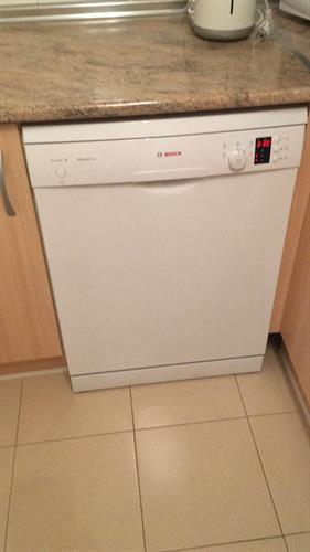 New dishwasher installed December 2017.