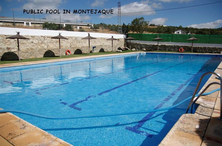 Public pool in Montejaque.