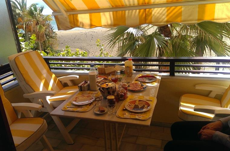 Breakfast at the Balcony