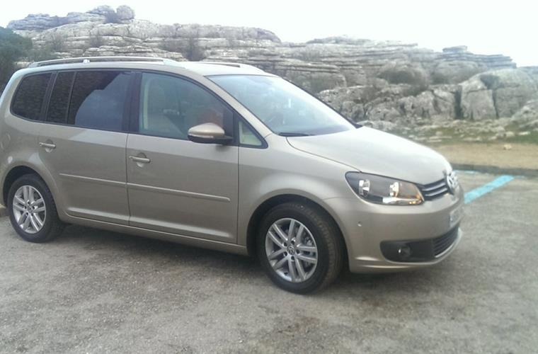 Car Included - VW Touran Automatic - airco- Crusecontrol-open roof