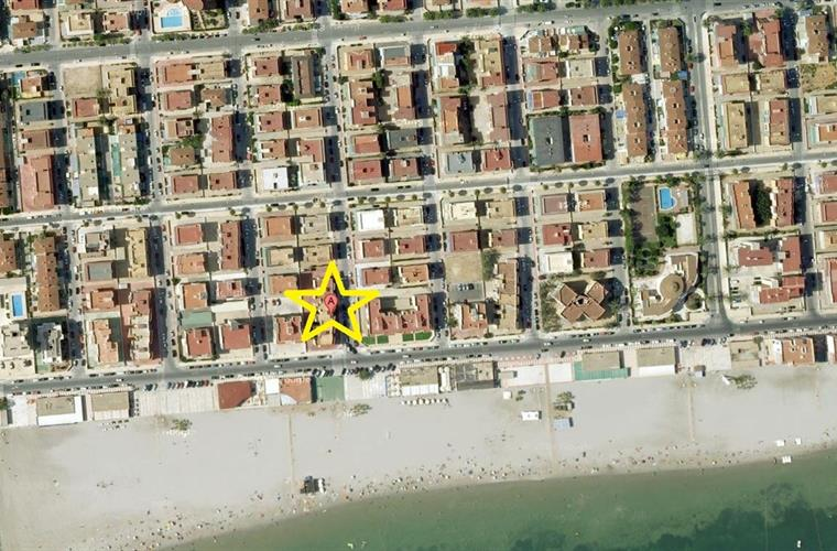 Fantastic location of the apartment, a few meters from the beach