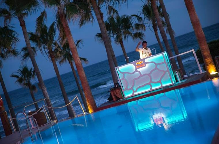 Nikki Beach at night
