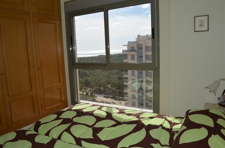 masterbedroom with sea view