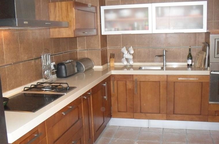 Cocina totalmente equipada. Fully equipped kitchen