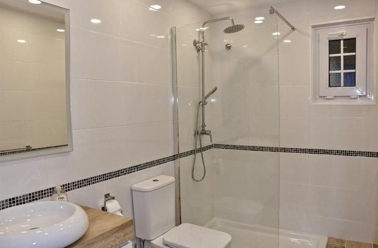 Luxury Bathroom with walk in Shower - All New March 2018