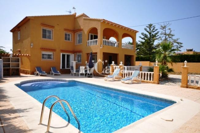 Villa Royal with pool