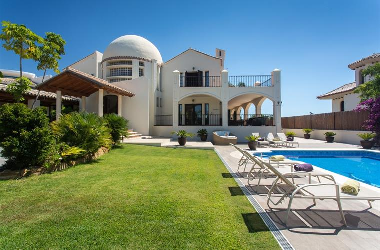 Luxurious Villa Marco in Los Flamingos, Marbella