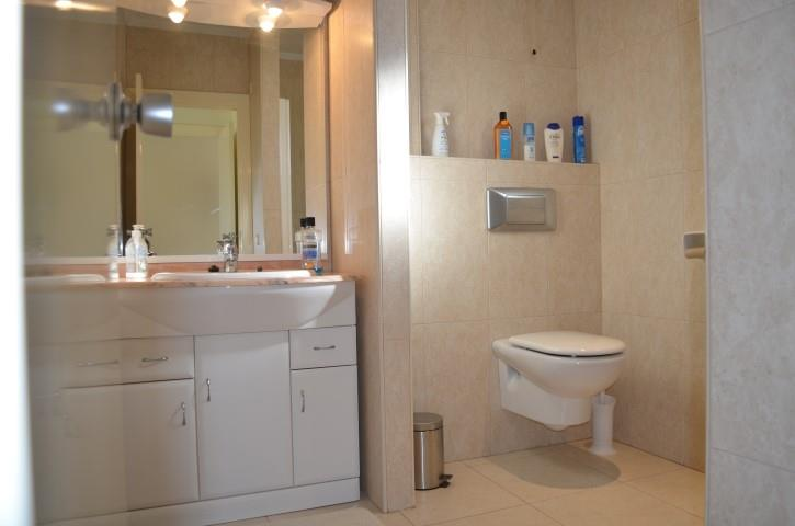 bathroom ensuite second floor