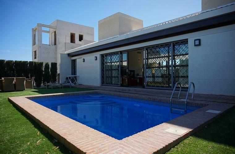 Lovely villa with swimming pool.