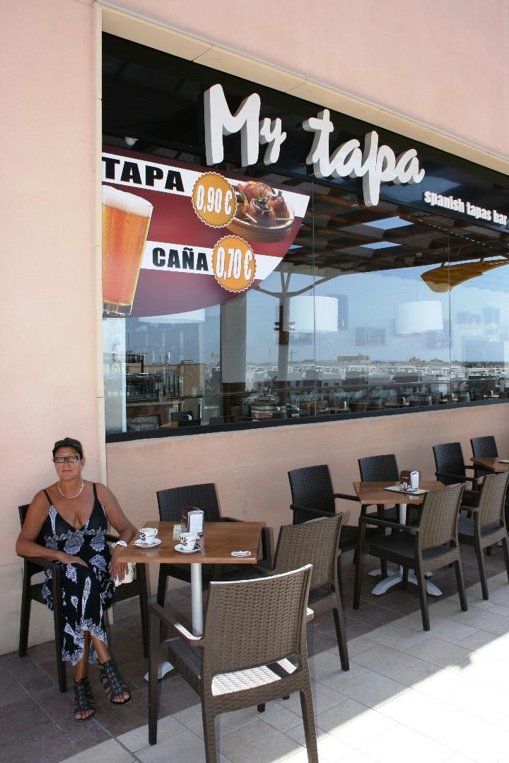 "relaxen in a ""Tapa-Bar"""
