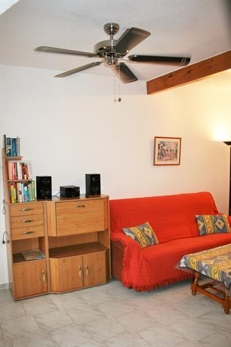 Living-Room with AC+Ceiling-Fan