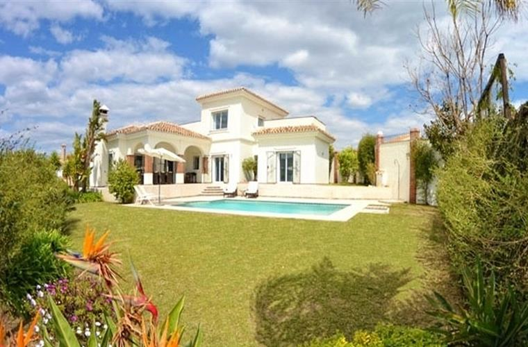 front of Villa with private swimming pool