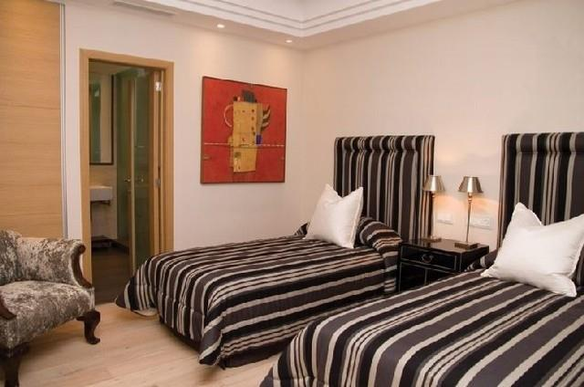 the modern bedroom mansion for rent in marbella golden mile 13517
