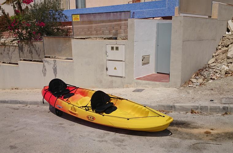 kayak for 2 adults and 2 kids