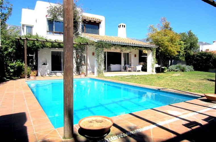 Holiday villa for rent in marbella
