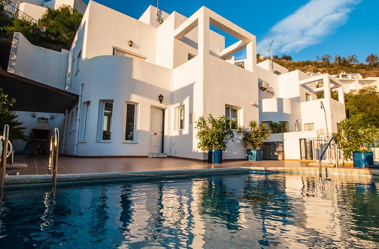 Holiday villa for rent in moj car mojacar playa for Apartamentos playa mojacar