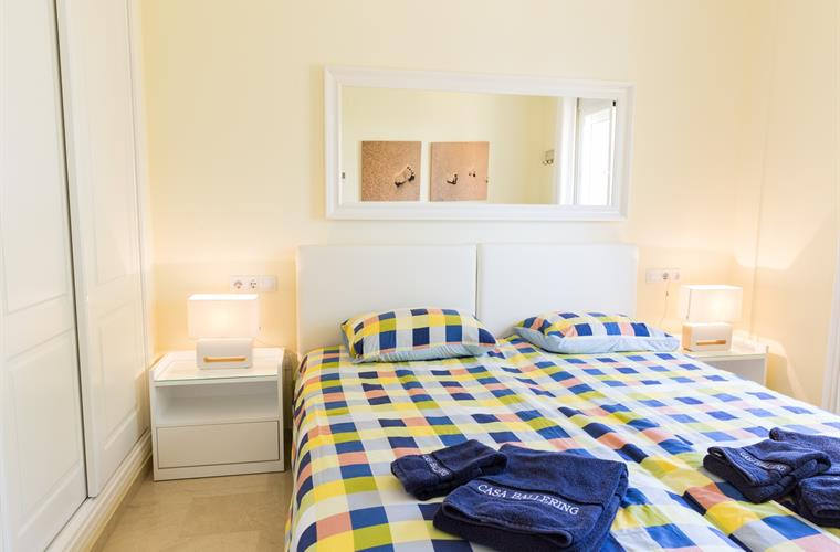 2nd bedroom with 1 x double bed ór 2 x separate beds  !