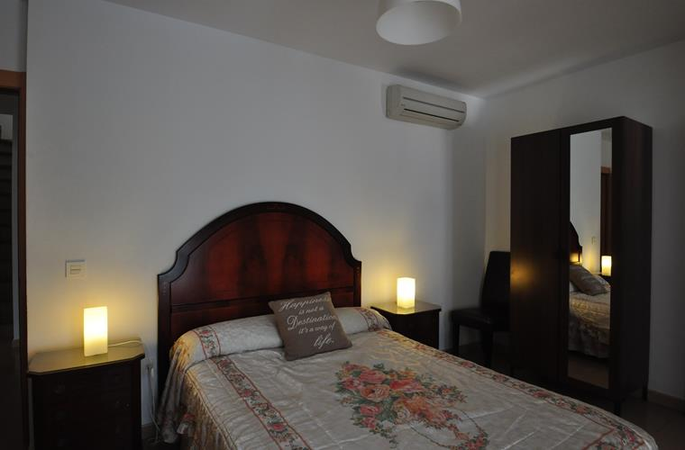 Holiday villa for rent in benalm dena puerto marina for Master bedroom downstairs