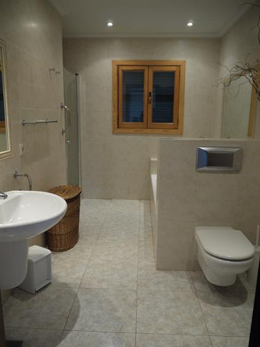 Main bathroom, bath and shower