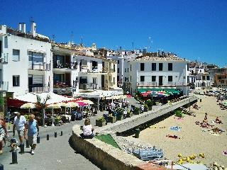 beach and town of Calella de Palafrugell