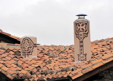 Casa chimneys