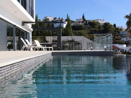 Holiday Homes in Spain | Villas, houses and private
