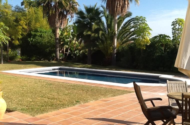 Villa Andaluz - Garden and pool
